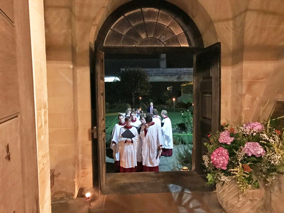 Christ Church Cathedral Choir Entering Great Badminton