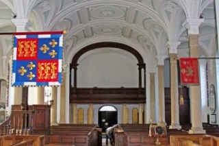 The Nave Without Chandeliers