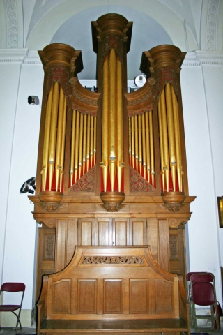 The Gilt-Piped Organ